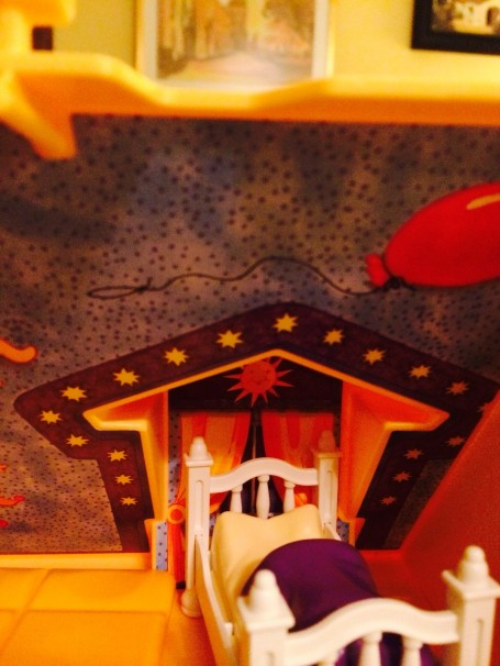 Playmobil's room